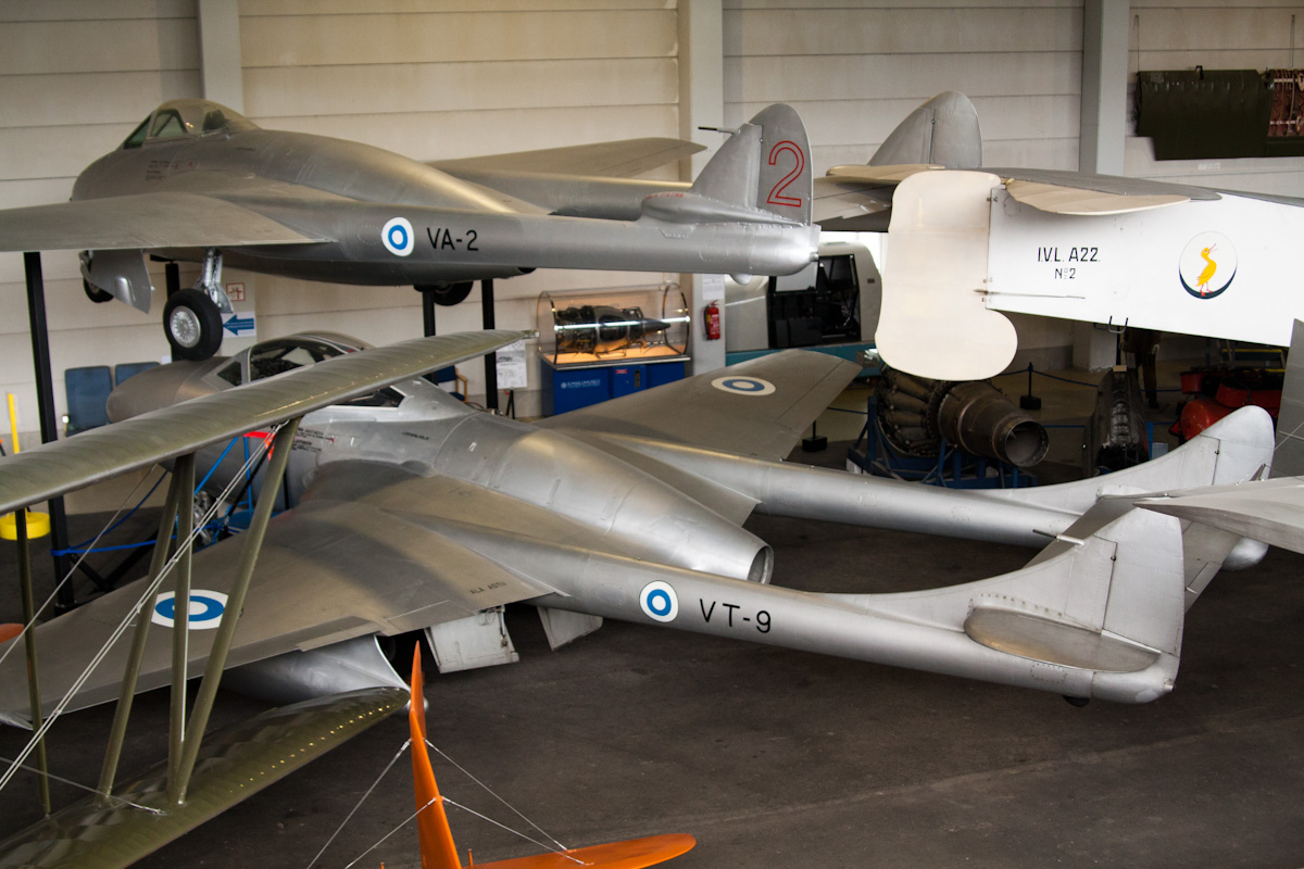 De Havilland Vampire, второй реактивный истребитель Британии.