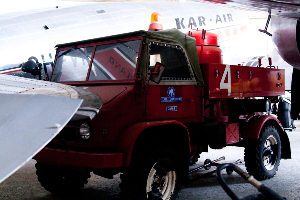 Старая пожарная машина
